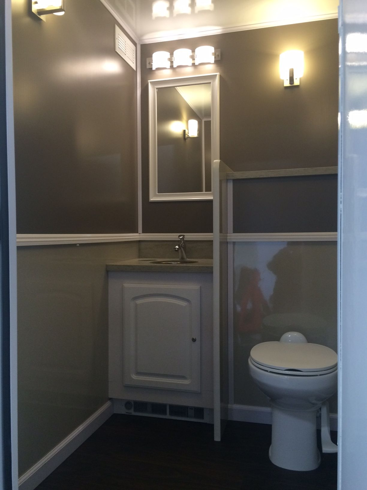 Bathroom Trailer Rentals